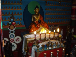 Boeddhabeeld in stoepa Hantum