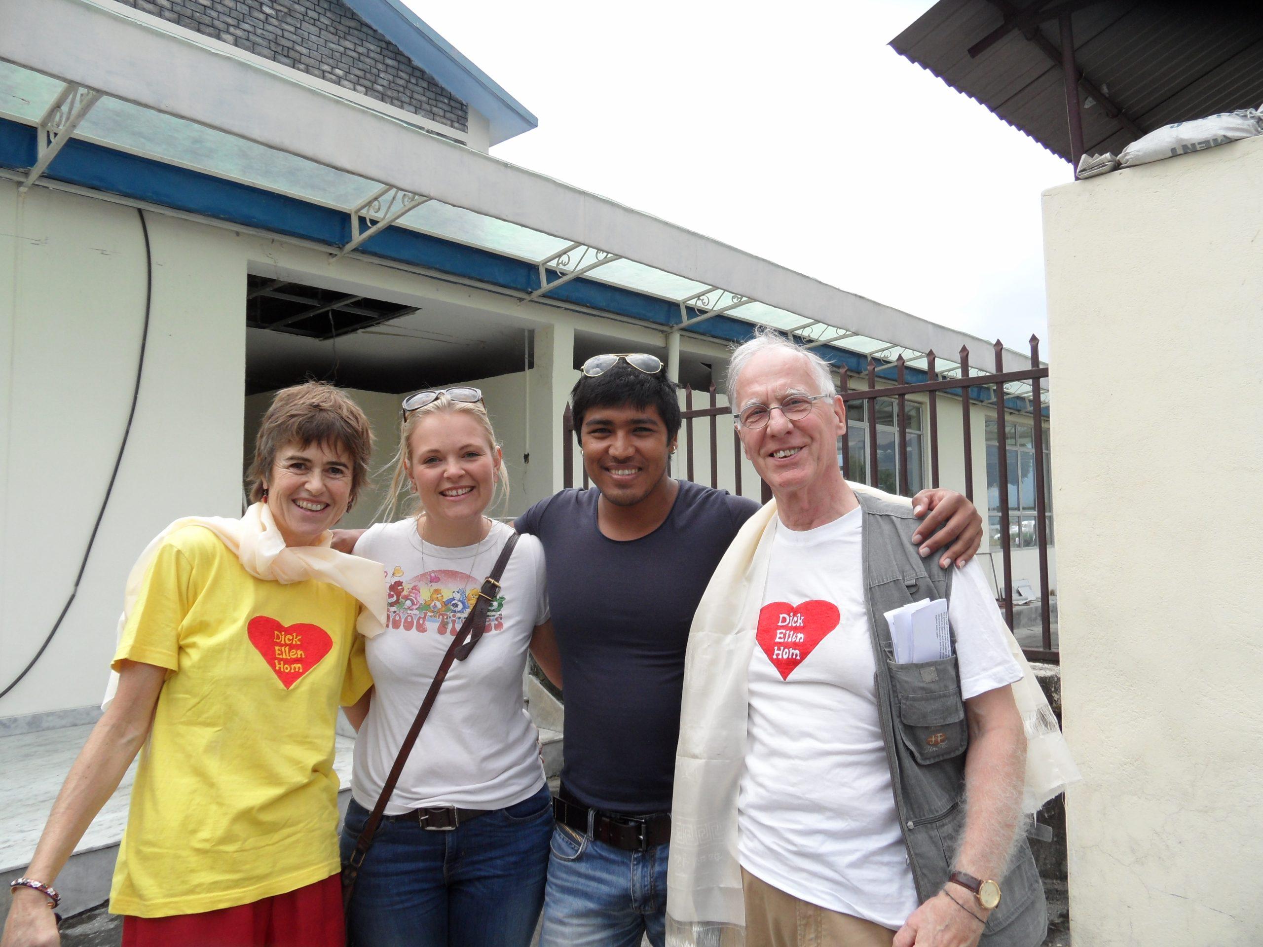 Van links naar rechts: Ellen, Lauren, Hom en Dick. Foto Dick Verstegen.