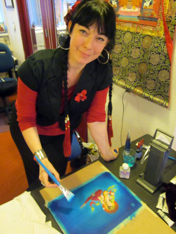 Carmen Mensink carmen-painting-offering-goddess