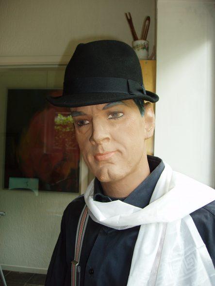 Jimmy Stone etalagepop ParijsOLYMPUS DIGITAL CAMERA
