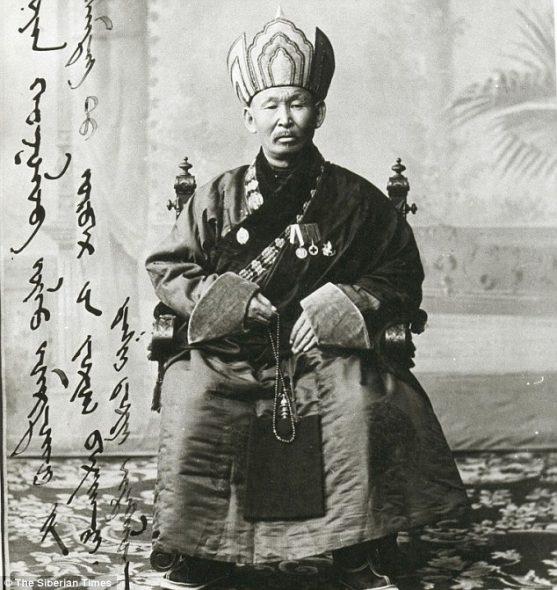 lama-dashi-dorzho-itigiloo-voor-zijn-dood-in-1927-rusland