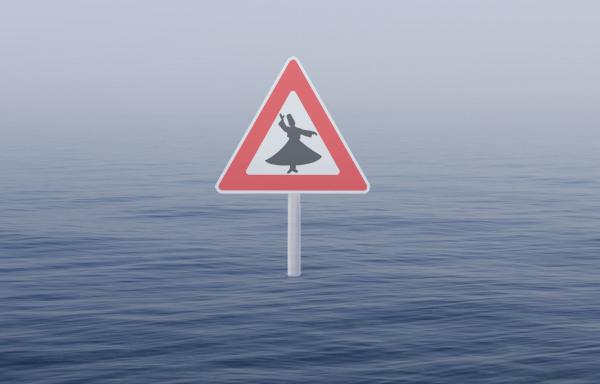 Driehoekig waarschuwingsbord midden op zee met daarin het silhouet van een dansende derwisj.
