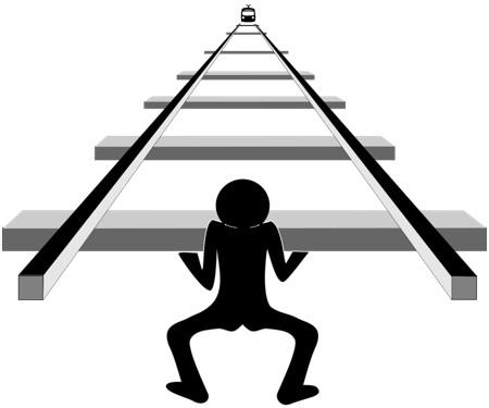 Silhouet van een figuur dat wankelt onder het gewicht van rails met dwarsliggers.